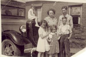 Bob Lamb (lower right) and his family in 1936